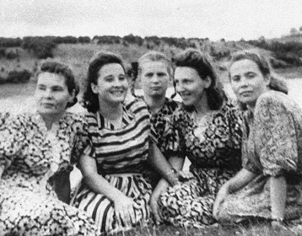 Первая советская женщина совершившая полет в космос