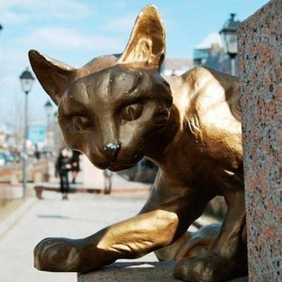 Фото Потрясающий Сквер Сибирских кошек в Тюмени