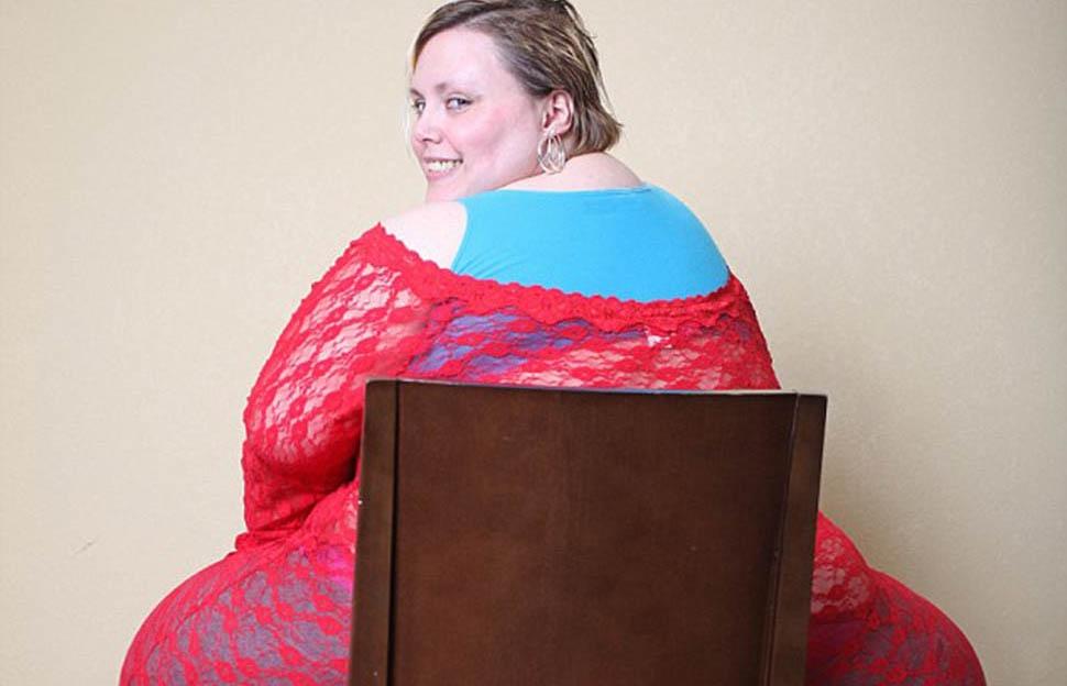 Фото Американка с ожирением получает 2000 долларов за показ своих прелестей по веб-камере
