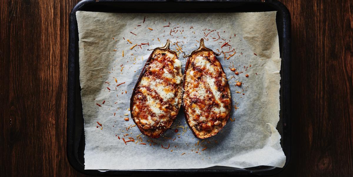 Баклажаны, фаршированные гречкой, грибами и мясом