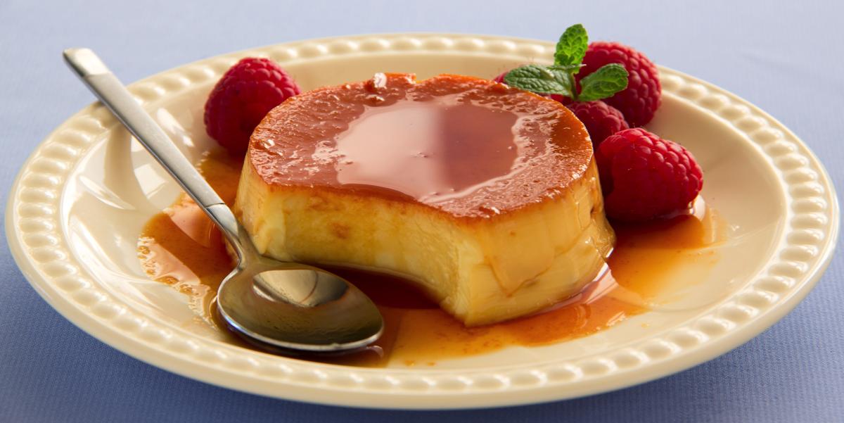 Фото Тающий во рту десерт из заварного крема с хрустящей карамельной корочкой