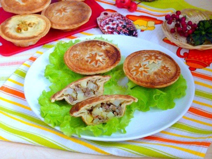 Фото Слоёные пироги с мясом