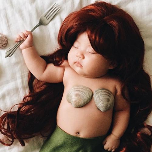 Фото Эта малышка стала звездой интернета, даже непросыпаясь!