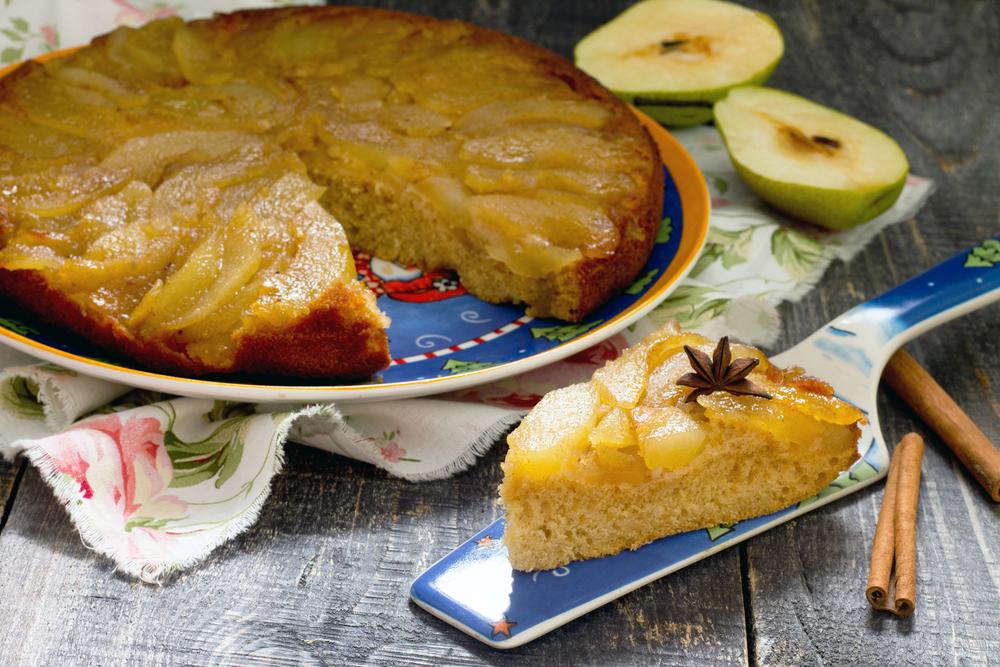 Пирог-перевертыш с яблоками и корицей