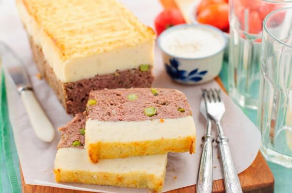 Фото Картофельная запеканка с мясом и зеленым горошком