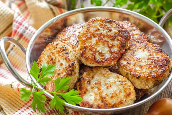Фото Куриные котлеты с беконом и сыром