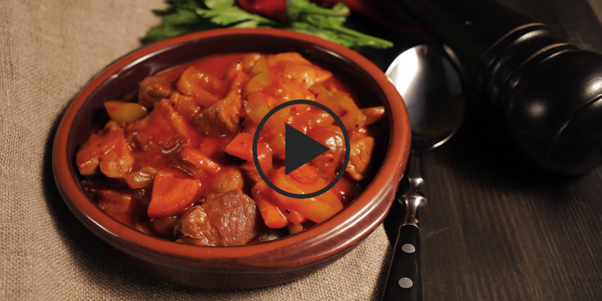 Свинина в кисло-сладком соусе с ананасами: видео-рецепт