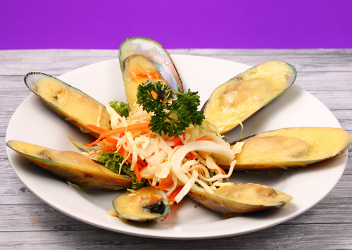 Мидии в сливочном соусе под сыром