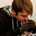 """Фото """"Реинкарнация гламура в формате бургерной"""": Стоит ли идти в Black Star Burger"""