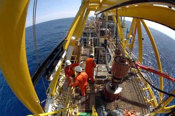 Photo of Petrobras faz proposta de 6% de reajuste para petroleiros