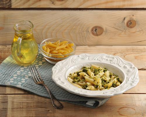 Фото Ризони — одна из форм укороченных итальянских макарон, напоминающий большие зерна риса. Сегодня мы будем готовить запеченную пасту с сыром и цукини.