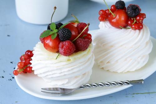 Фото Меренги с ягодами