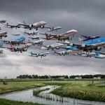 Невероятные стаи самолётов в фотоманипуляциях Майка Келли