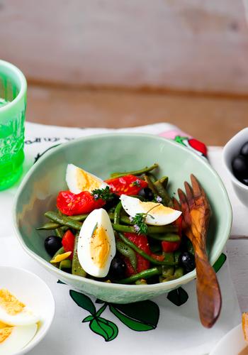 Фото Салат из зеленой фасоли с маслинами