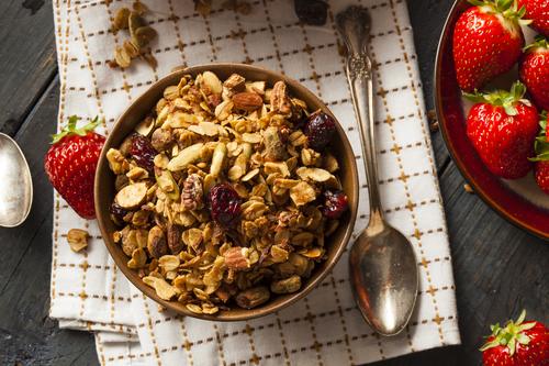 Фото Гранола - волшебное блюдо, в которое можно добавить все, что ваша душа пожелает. Фантазируйте!