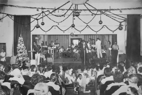 Photo of Documentário da TV Brasil celebra 80 anos das rádios Nacional e MEC