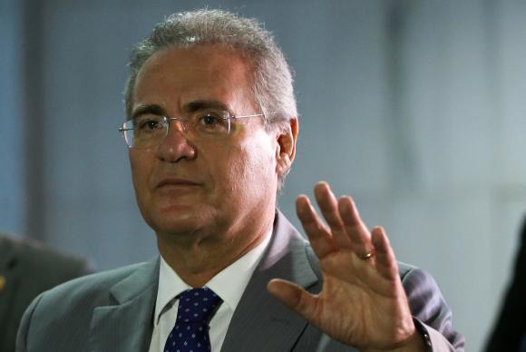 Photo of Em impasse de Renan, Senado tem sessão paralisada