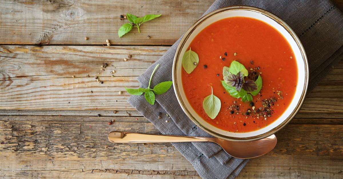 Фото Томатный суп с курицей и зеленой фасолью