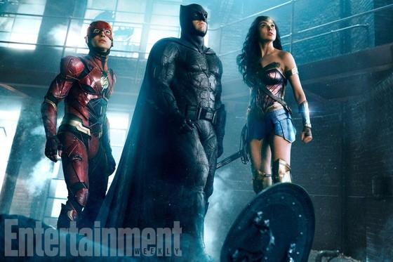 Photo of Batman, Mulher-Maravilha e Flash aparecem em nova foto de Liga da Justiça