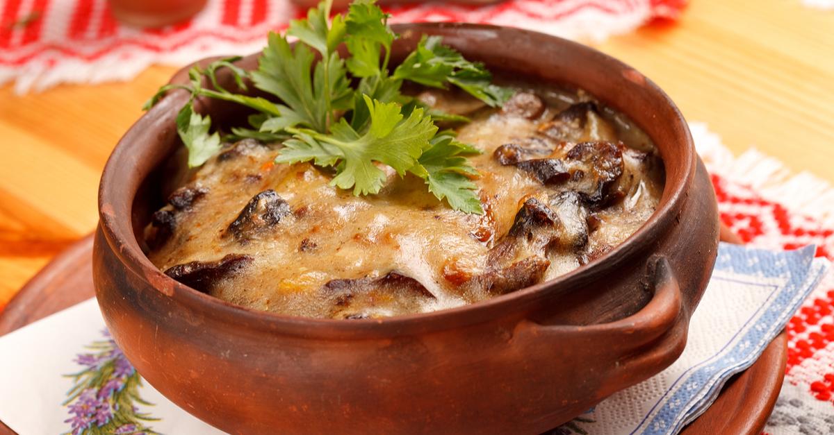 Фото Мясо в горшочке с картофелем и сыром