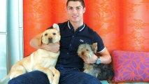 Вокруг света: Простой жест щедрости: Как Криштиану Рональду помог выжить 80 собакам