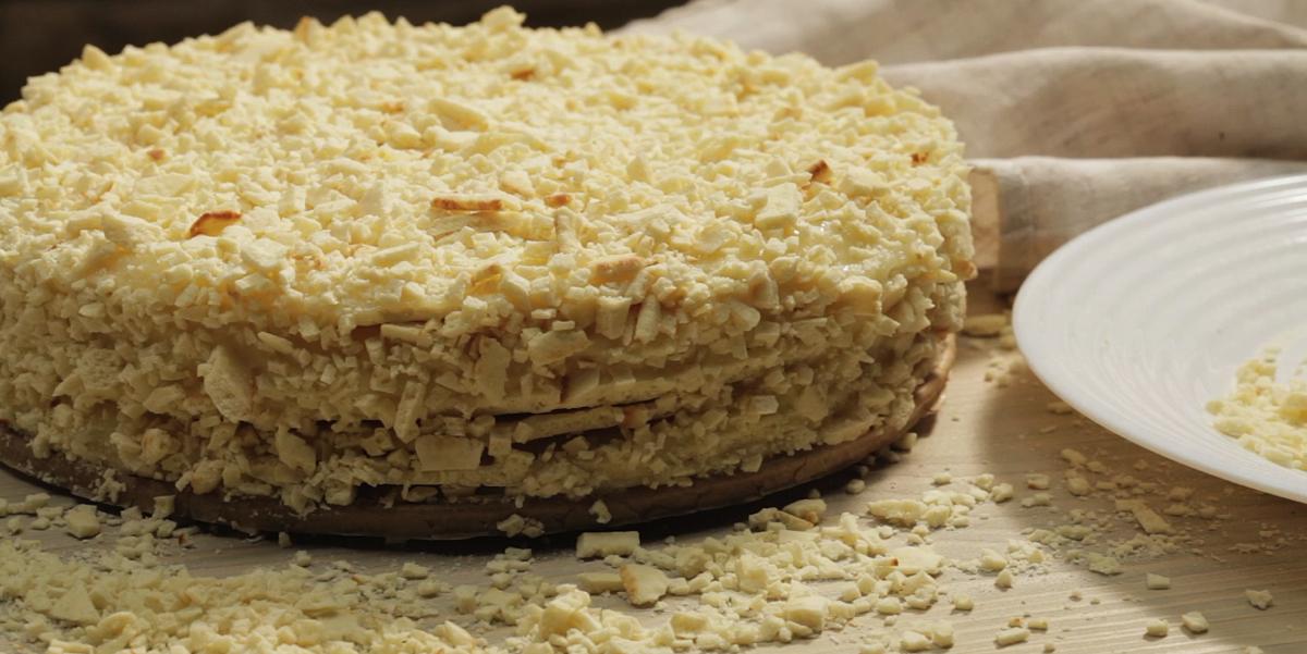 ВИДЕО-РЕЦЕПТ: торт на сковороде со сгущенкой
