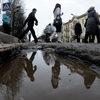 В Псковской области скорая помощь не смогла приехать на вызов из-за разбитой дороги