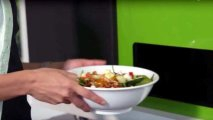 """Фото Гаджеты: """"Вкусней, чем у бабушки"""": новый робот-автомат делает свежие салаты всего за пару минут"""