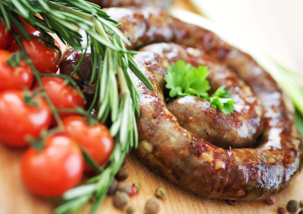 Пасхальная домашняя колбаса из свинины с чесноком