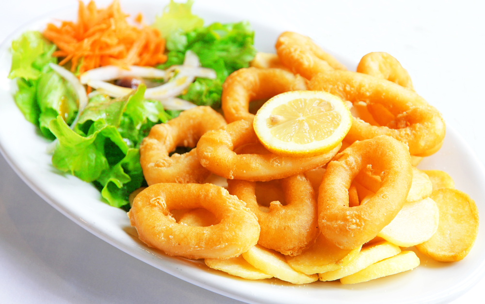 Фото Жареные кольца кальмаров в пивном кляре