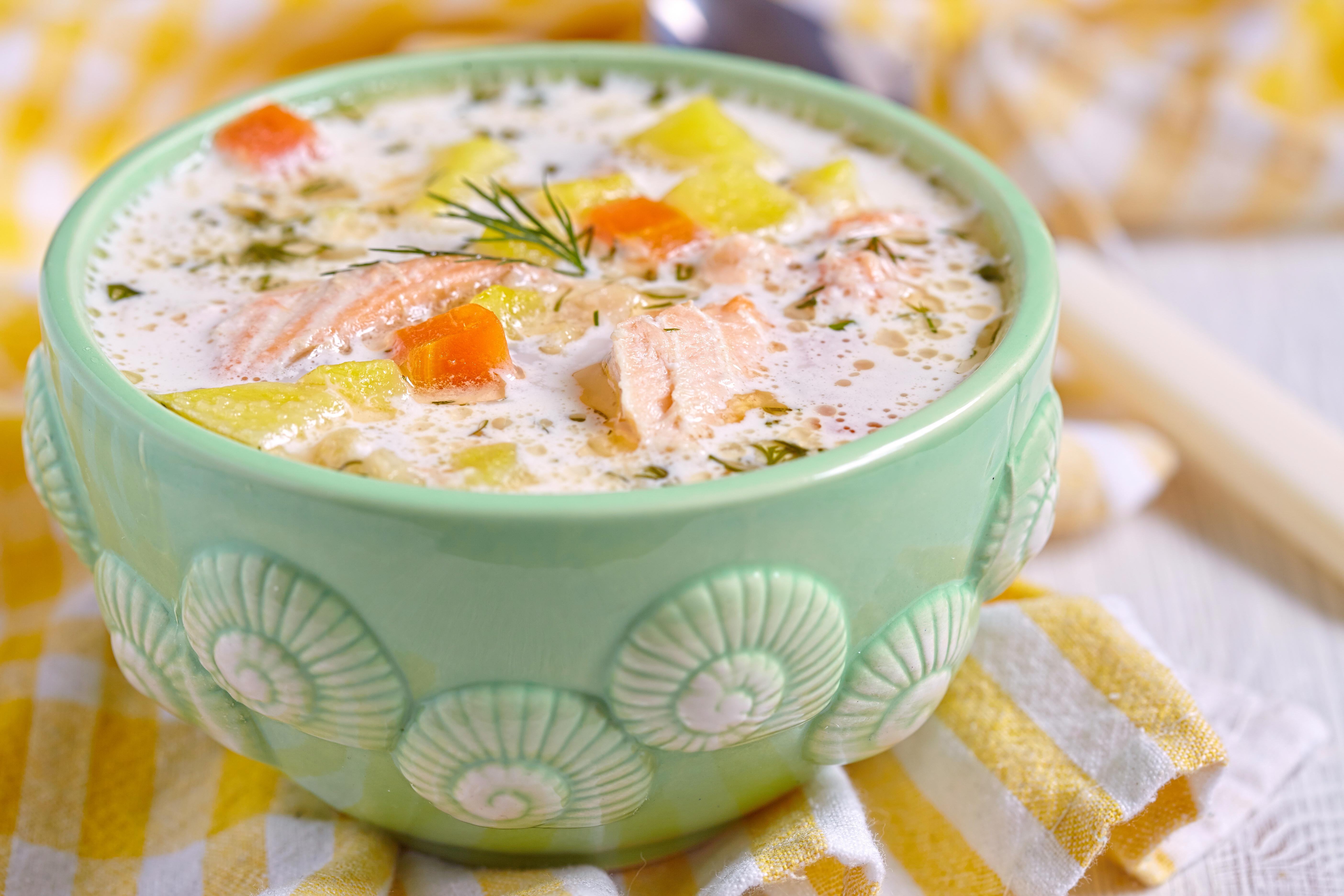 Густой рыбный суп по-аргентински в горшочке