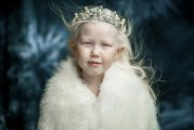 Вокруг света: Белоснежка из Якутии: 8-летняя девочка-альбинос покорила Интернет
