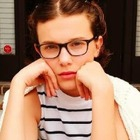 13-летняя звезда «Stranger Things» сняла видеоурок макияжа