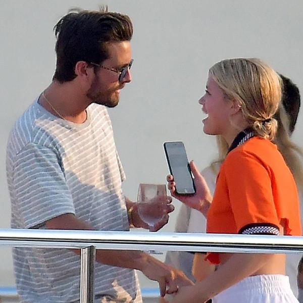 Photo of Scott Disick e Sofia Richie são vistos em clima de romance em Cannes