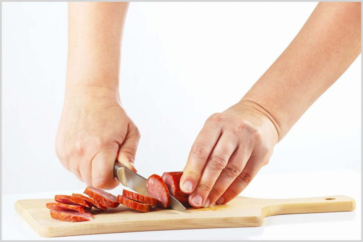 Фото Как мы за семейным обедом делили колбасу по справедливости