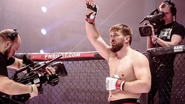 Фото Минаков победил Силву и выиграл 20-й бой в карьере