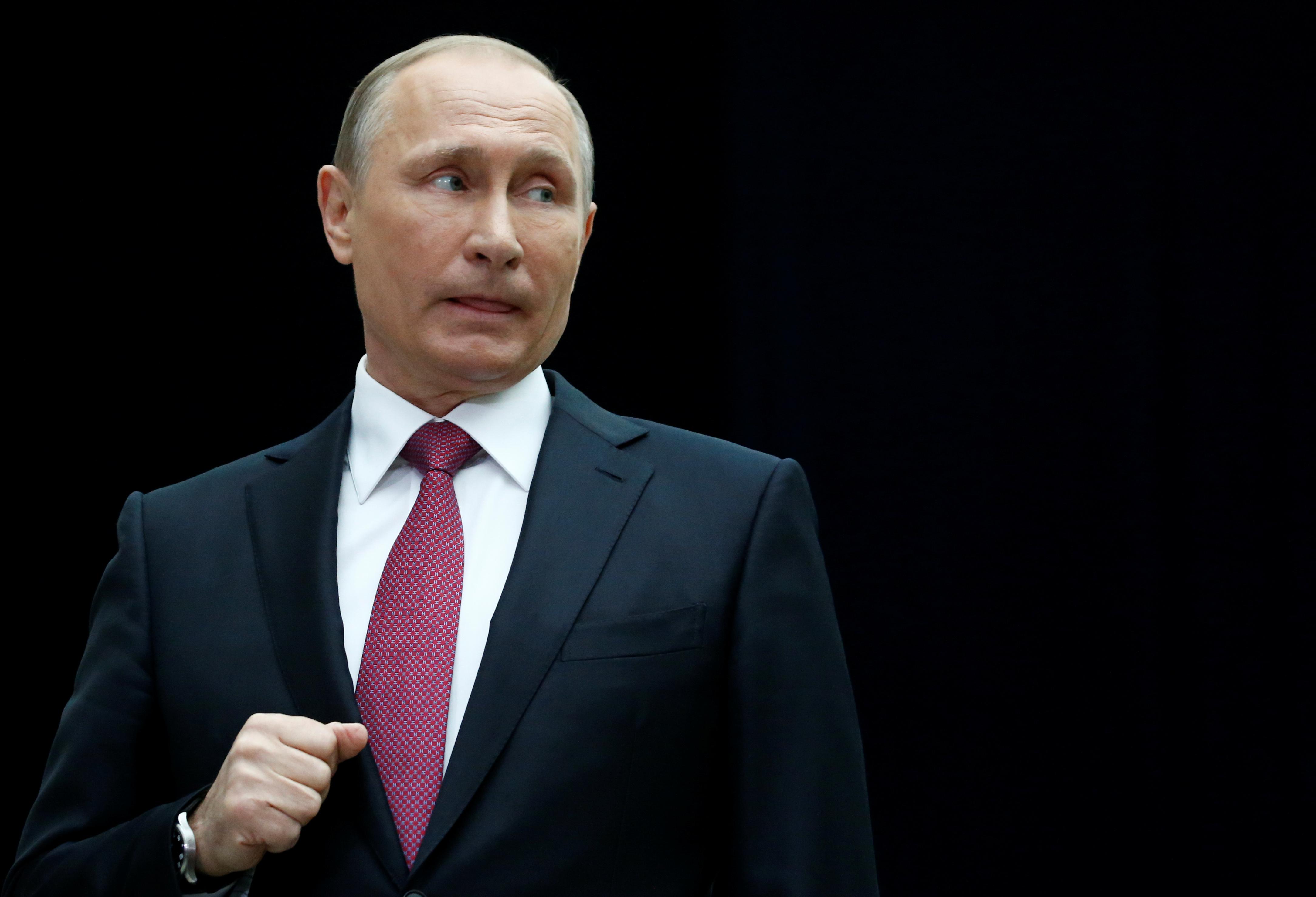 """Путин не будет вмешиваться в судебный спор АФК """"Система"""" и """"Роснефти"""""""
