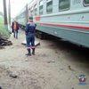 Фото В Новосибирске пассажирский поезд сошел с рельсов из-за потока грязи