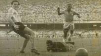 Aos 16 anos, eclodia o Rei: Como os jornais da época viram a estreia de Pelé na Seleção