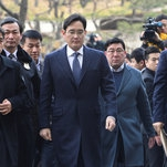 Samsung Heir, Testifying at His Trial, Denies Bribery Charges
