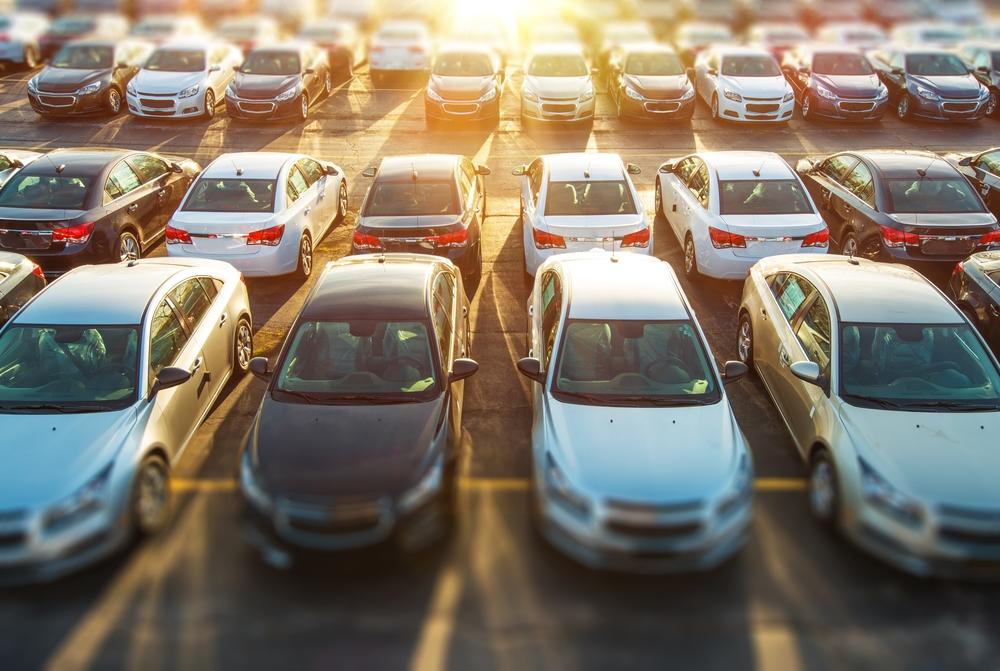 Продажи новых автомобилей в России показали в июле двузначный рост