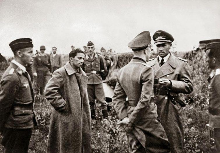 """Фото """"Иди и воюй"""": как сложилась судьба детей Сталина, Муссолини и Франко"""