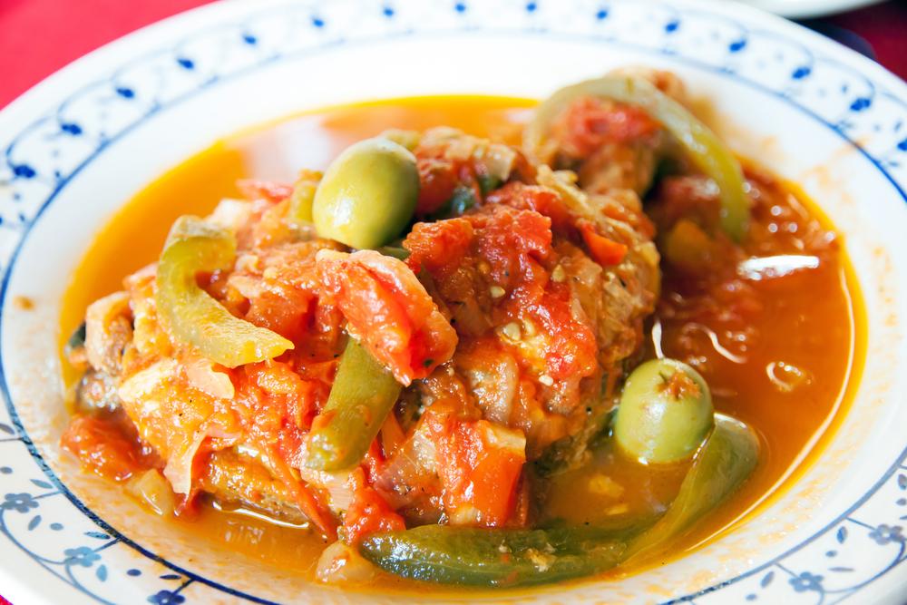 Фрикасе из курицы с овощами и оливками