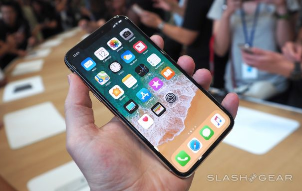 Photo of iPhone X hands-on : Apple's OLED flagship up close