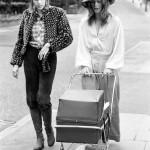 Редкие фотографии Дэвида Боуи и его жены Анджелы через три недели после рождения сына