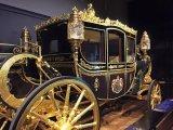 Вокруг света: Королевское великолепие: Как выглядят снаружи и внутри кареты европейских монархов