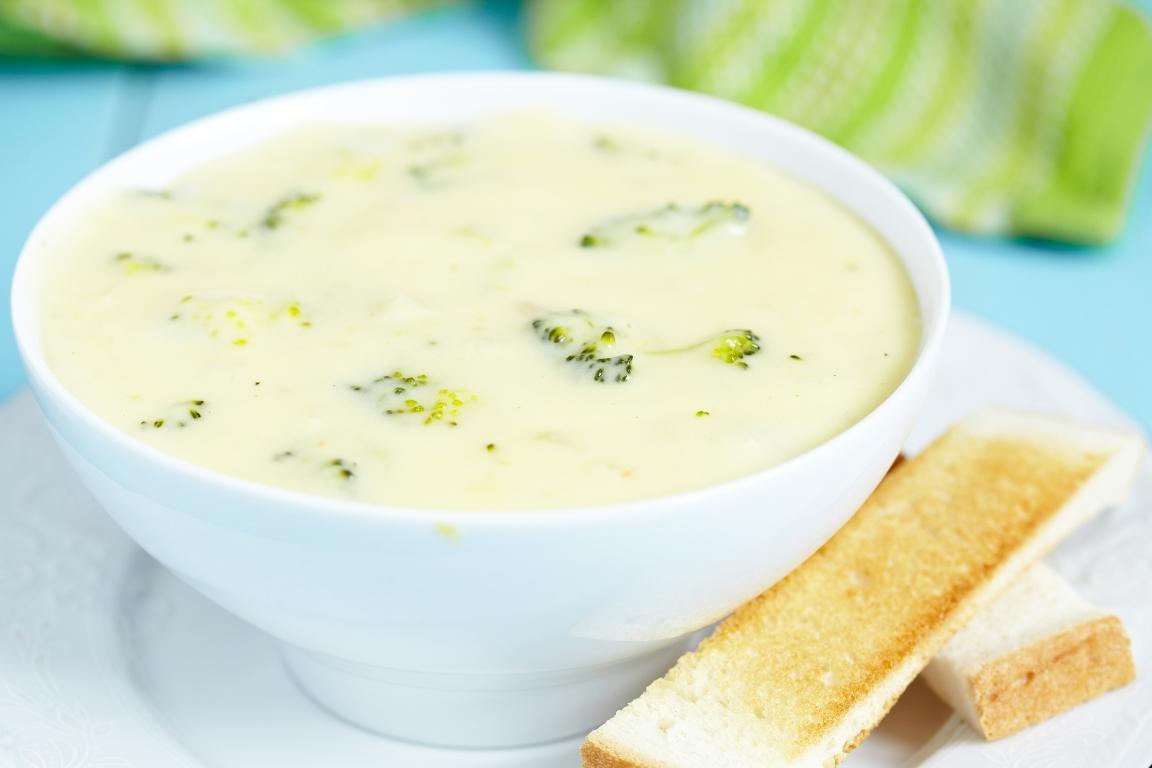 Вкуснейший суп из брокколи с сыром