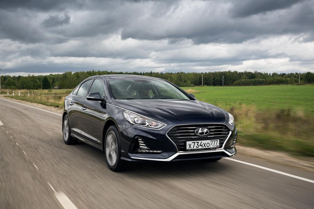 """Тест-драйв новой Hyundai Sonata: мнение гаишника и """"девушка плюс-сайз"""""""