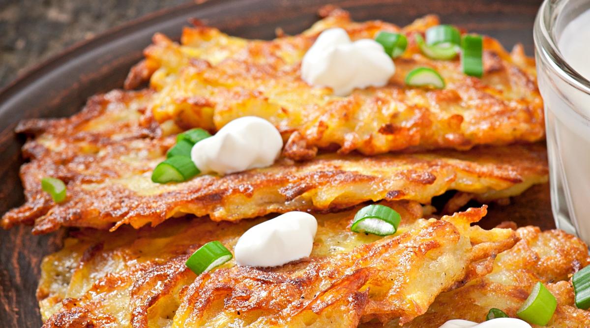 Аппетитные драники с ветчиной и сыром