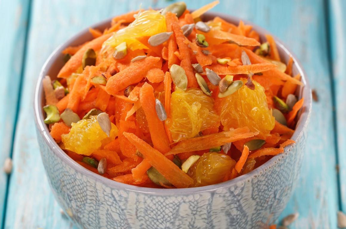 Полезный салат из тыквы, апельсинов и моркови
